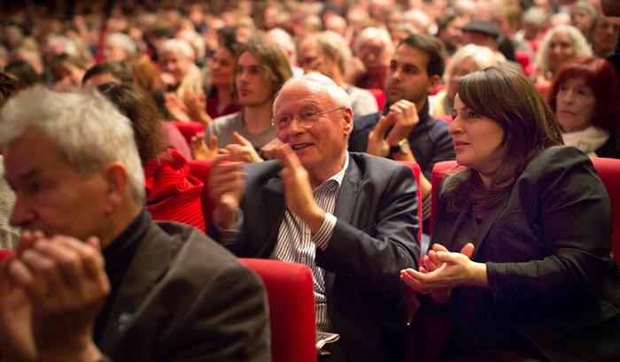 Gäste auf der Konferenz: Oskar Lafontaine und Sevim Dagdelen. Foto: Christian Mang